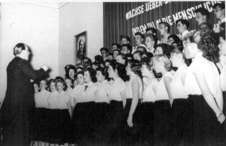 Auftritt 1957 Chorleiter Salmon
